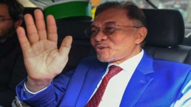 Photo of Anwar Ibrahim of Malaysia met with the king for the topple government